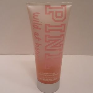 PINK WILD AT HEART 2-IN-1 WASH AND SCRUB